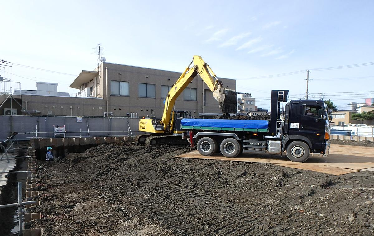 2016年9月23日 新築分譲マンション 秋田市 ザ・マークス南通 残土改良工事