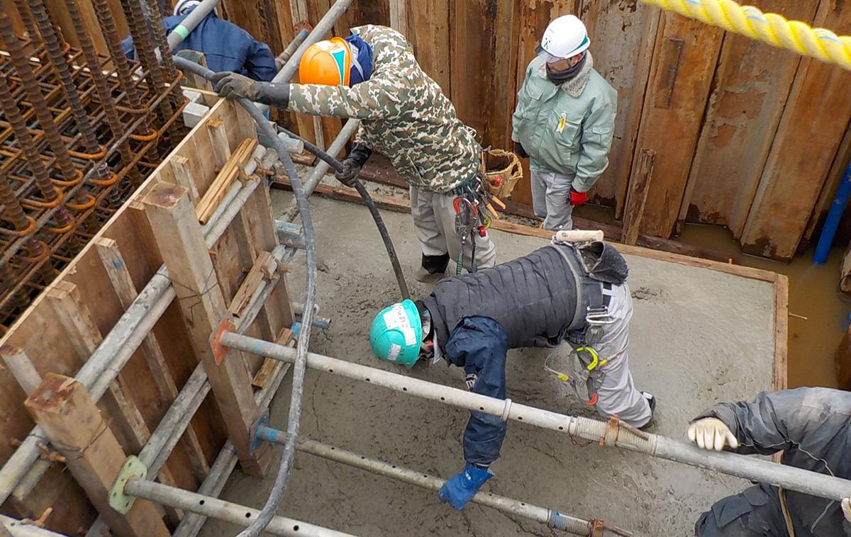 ザ・マークス南通 新築分譲マンション施工レポート 基礎コンクリート打設状況