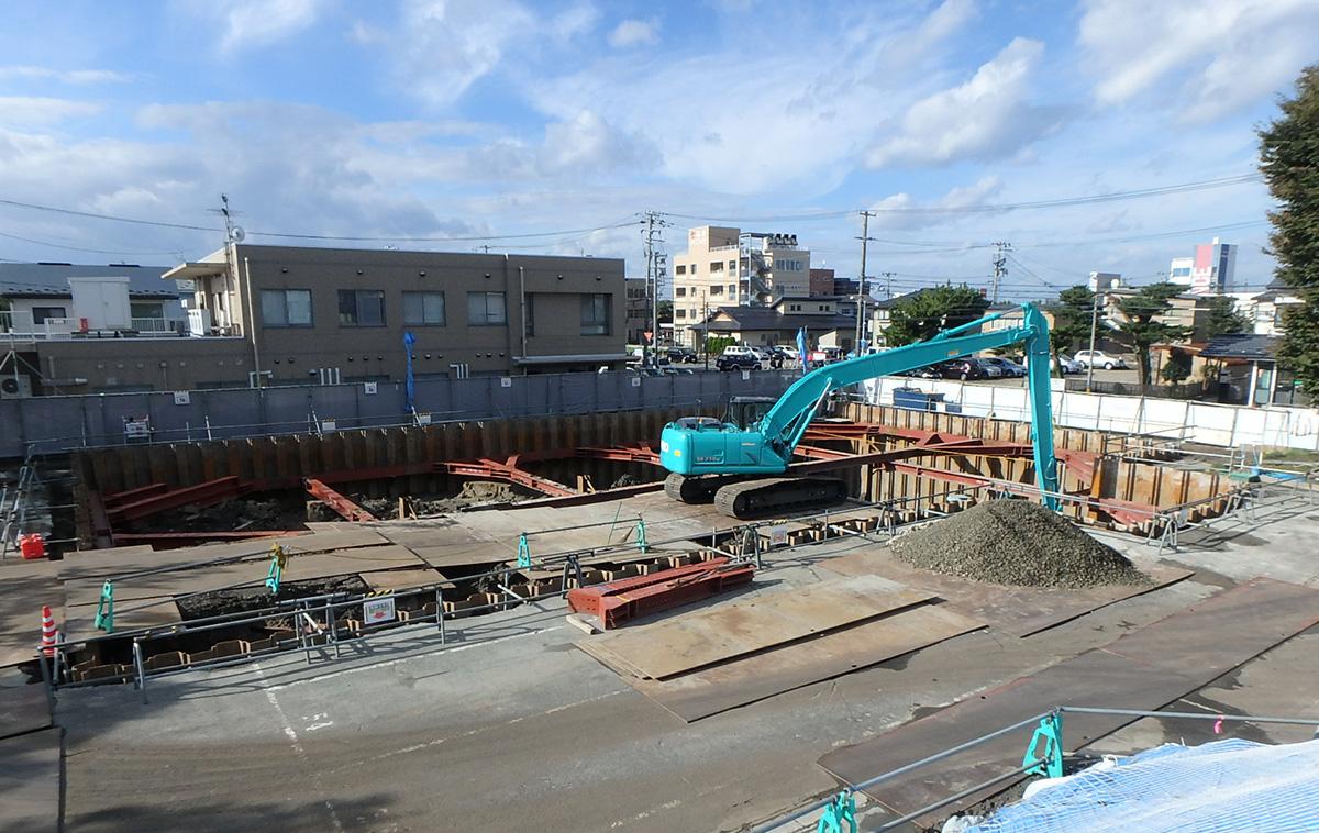 2016年10月13日 新築分譲マンション 秋田市 ザ・マークス南通 掘削工事