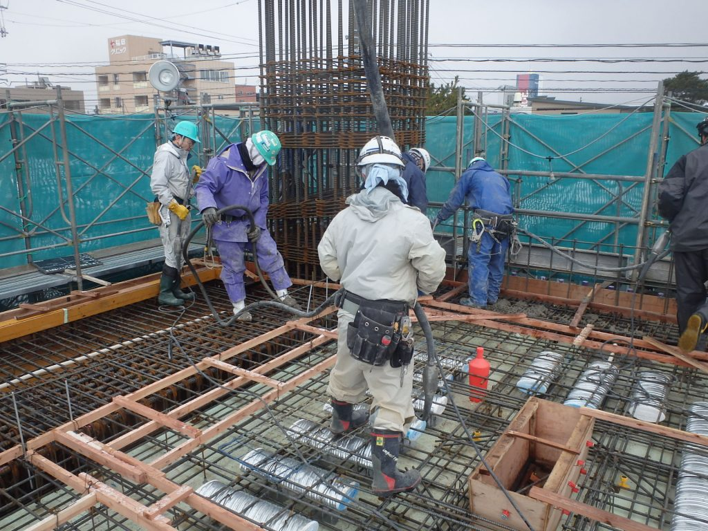 ザ・マークス南通 新築分譲マンション施工レポート 2階床コンクリート打設状況